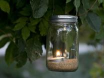 Ukrasna tegla sa svećicom